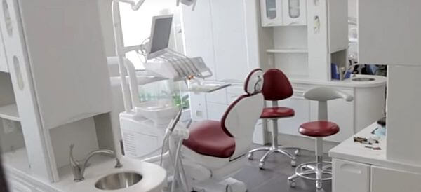 costa rica dentist