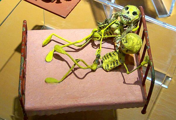 museum of death skeleton foreplay