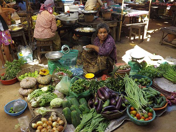 cheap food costs living in Cambodia