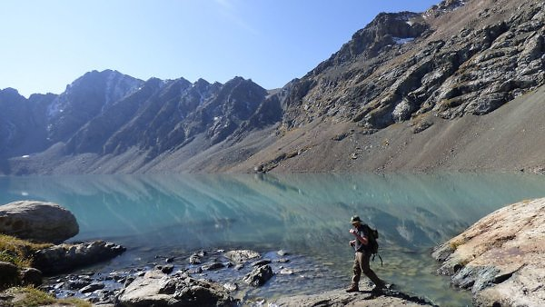 backcountry hiking with a water purifier