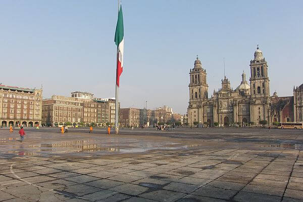 Mexico City Zocolo no crowds