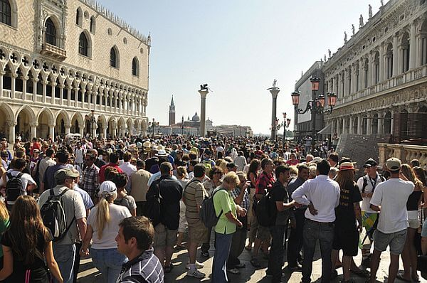 overtourism in Venice - too many tourists