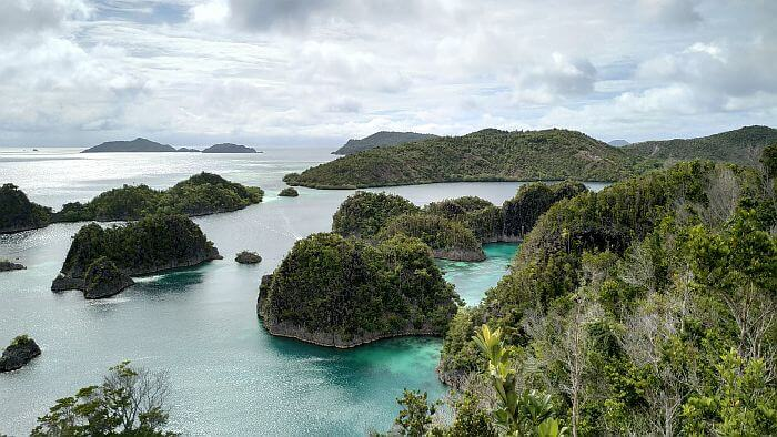 Raja Ampat travel Indonesia