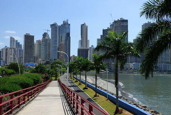 expatriates living in Panama City