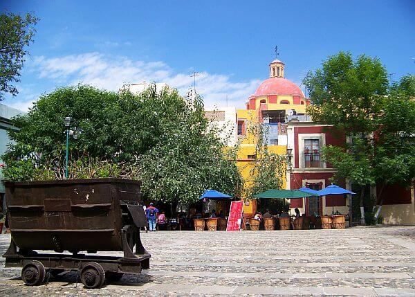 San Fernando plaza in Guanajuato pedestrian only